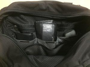 TUMI内側3つポケット