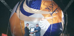 引用 : http://www.gulf-times.com/story/341979/Doha-Bank-brings-Guinness-record-with-largest-socc