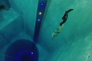 引用 : http://www.index.hr/black/clanak/najdublji-bazen-na-svijetu-sastoji-se-od-cak-12-katova-ima-podvodne-spilje-i-tunel-/772782.aspx