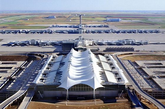 引用 : https://www.architonic.com/en/project/fentress-architects-denver-international-airport/5100647