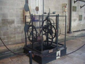 引用 : http://www.thegeminigeek.com/when-was-the-salisbury-cathedral-clock-built/