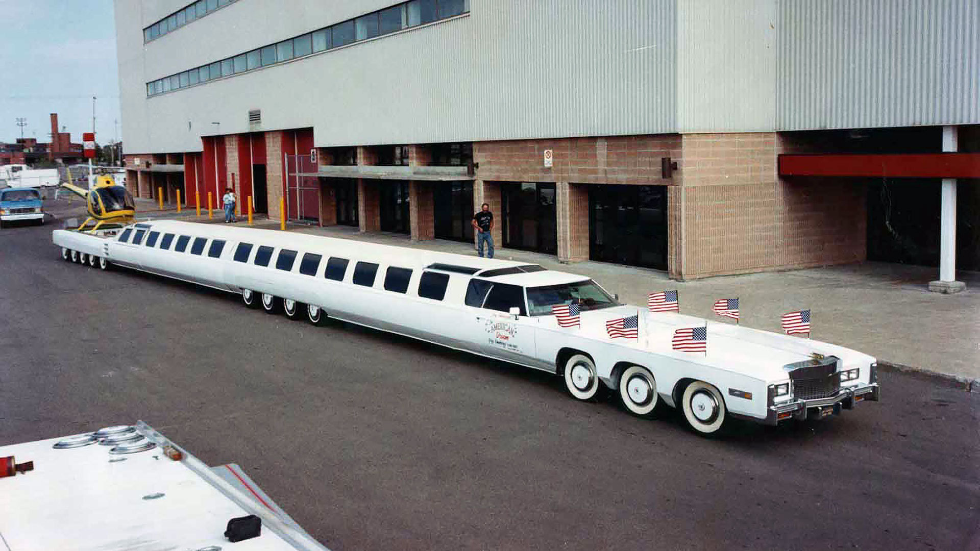 引用 : https://www.motor1.com/news/75965/the-longest-car-in-the-world-is-dead-but-its-coming-back-to-life/