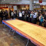重さ32kg!? 世界一大きいナンとは? 【ギネス記録】