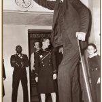身長272㎝!? 世界一大きい人